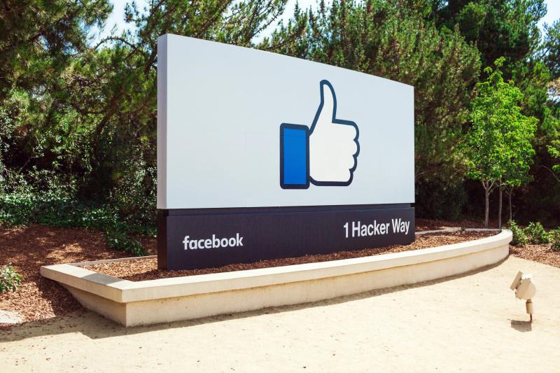 Facebook quiere que hables más con tus amigos